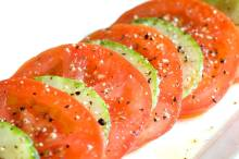 sliced-cucumber-tomato-salad
